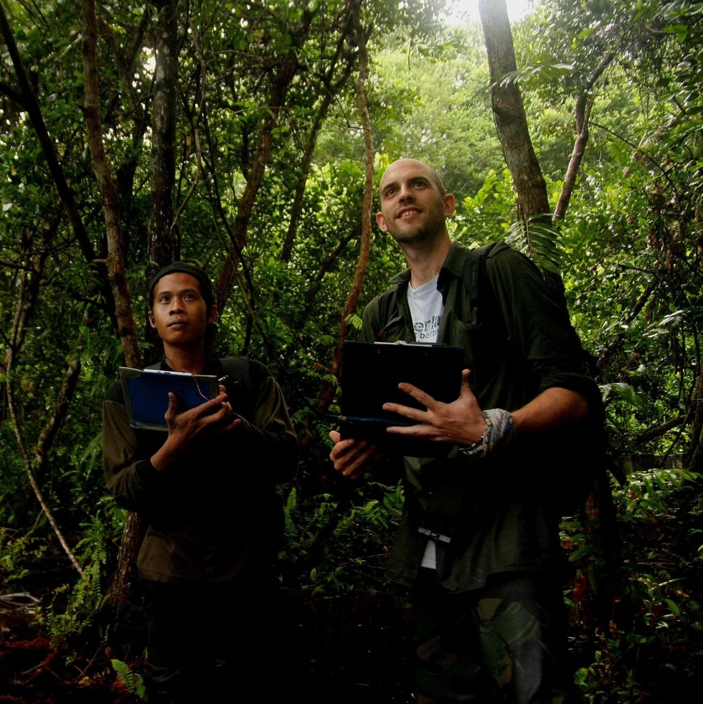 Ben Buckley And Unyil 2 - Sabangau Forest - Credit Unkown - 2011