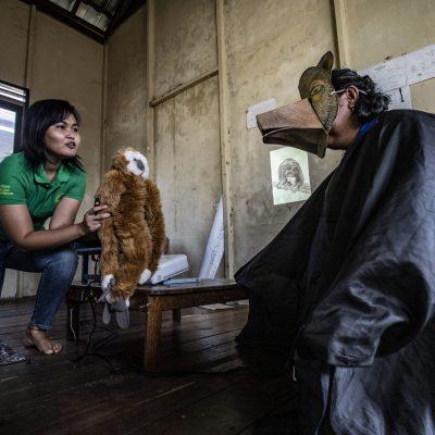 Gibbon goes to school storytelling, Palanka Raya, Kalimantan.
